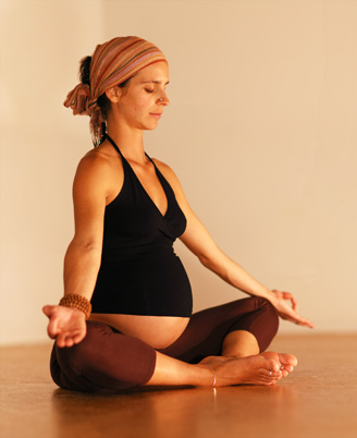 Yoga Lehrerin Kira Cook schwanger